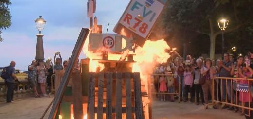 L'any passat, la Flama del Canigó va encendre una foguera amb elements al·lusius a l'aplicació del 155 i el règim del 78