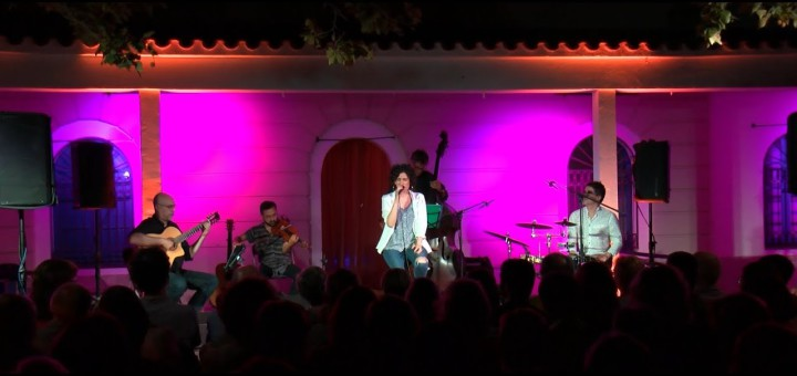 [Vídeo] Arrenca el NEC amb la veu d'Elena Gadel al Far de Calella