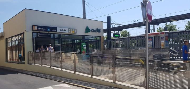 Estació de tren de Calella, aquest migdia