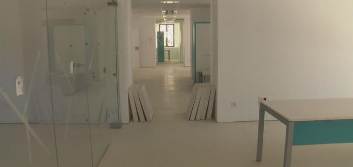 Vista de la planta baixa de l'Hostal Vell en una imatge d'arxiu