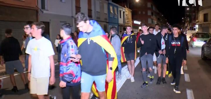 [Vídeo] Una marxa d'estudiants talla la carretera en el tercer dia de protestes per la sentència del procés