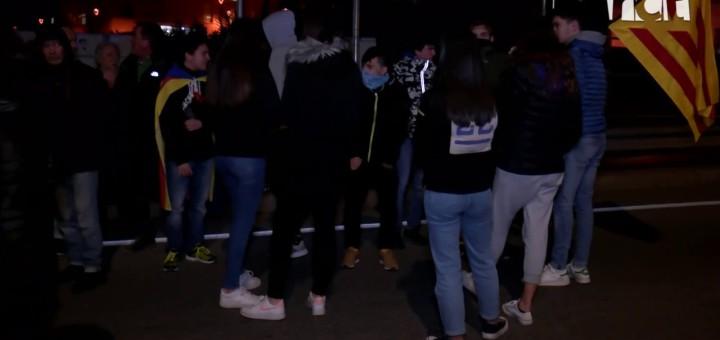 [Vídeo] Tall de carretera en protesta per l'actuació de Policia Nacional i Mossos a la Jonquera