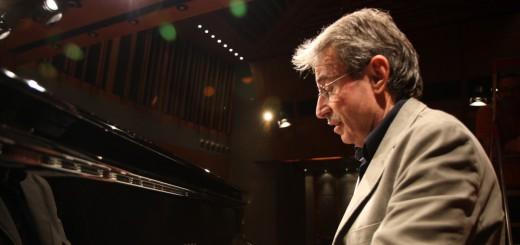 Antoni i piano