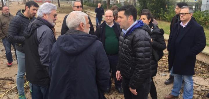El primer secretari del PSC, Miquel Iceta, ha visitat Pineda de Mar per conèixer els efectes del temporal al passeig marítim