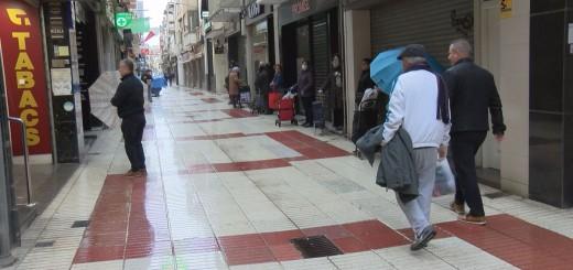 Imatge del carrer Església en el primer dia de confinament pel coronavirus