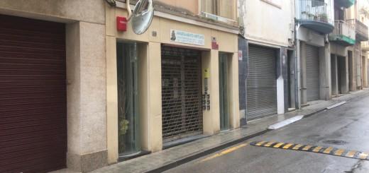 Entrada als apartaments del carrer Sant Josep