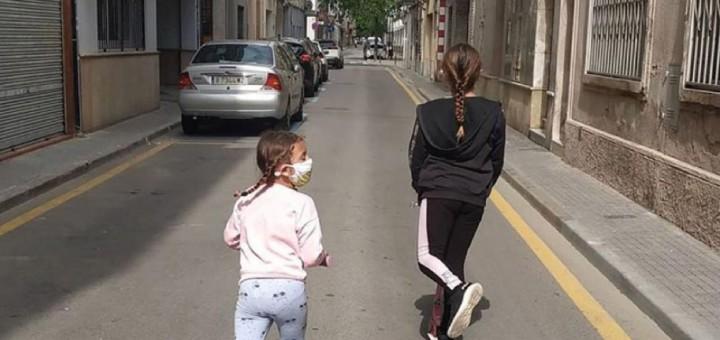La Jana i la Queralt van sortir a la tarda per evitar coincidir amb altres nens