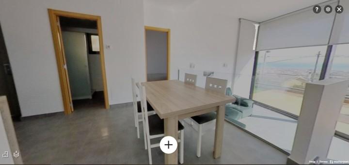 Visita virtual dins d'un immoble amb zones exteriors