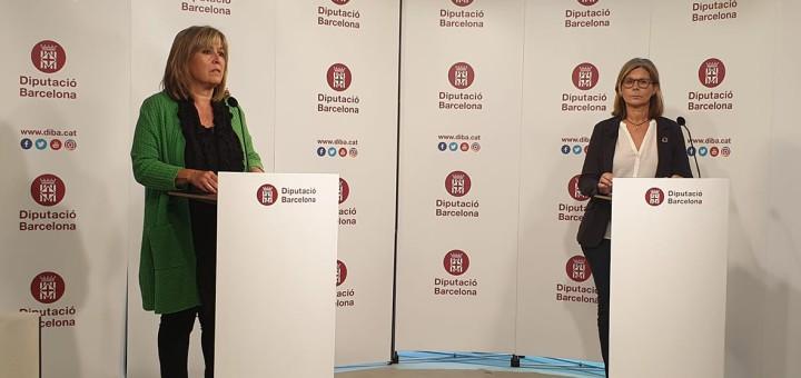 La presidenta de la Diputació de Barcelona, Núria Marín, i la vicepresidenta segona, Carmela Fortuny, durant la roda de premsa.