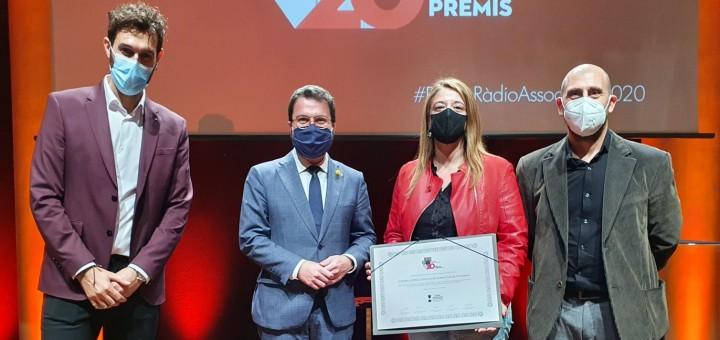 Marc Ferri (Ràdio Palafolls), el Vicepresident Pere Aragonès, Maria Josep Hernández (Ràdio Pineda) i Albert Sabater (Ràdio Tordera).
