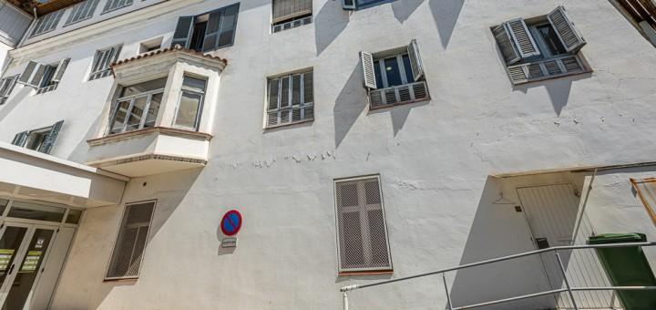 Exterior del sociosanitari de l'Hospital Sant Jaume de Calella