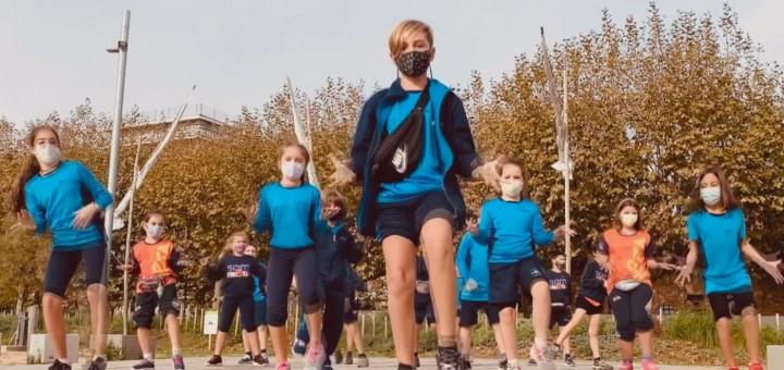 Instantània del videoclip que ha publicat l'Escola Freta amb motiu del Dia Mundial de la Infància