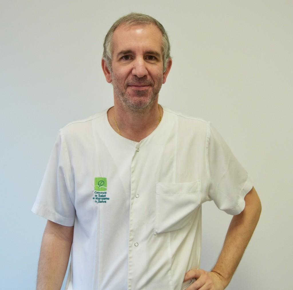 El doctor Oscar del Río és referent en malalties infeccioses de l'Hospital de Calella