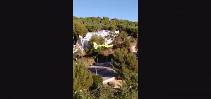 [Vídeo] Aterratge en plena carretera per una emergència a la Creu Groga