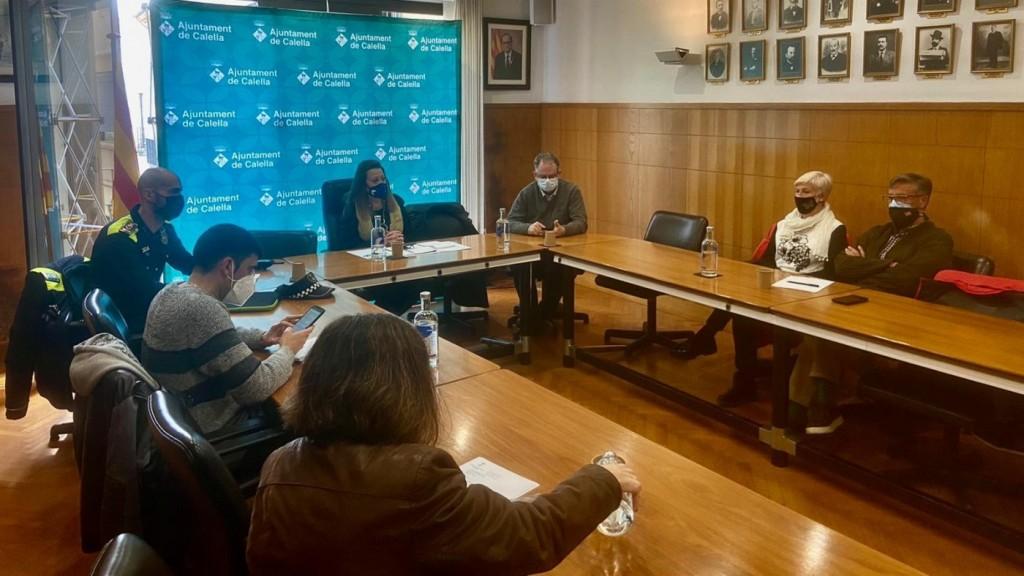 Reunió del Govern amb representants dels veïns (Foto: Ajuntament de Calella)