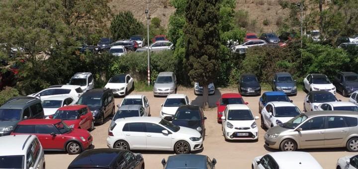 Solar on es construirà el nou aparcament de Can Saleta, ara utilitzat pels treballadors de l'hospital