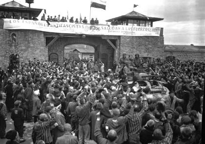 Presoners alliberats del camp de concentració de Mauthausen / Cpl Donald R. Ornitz, US Army