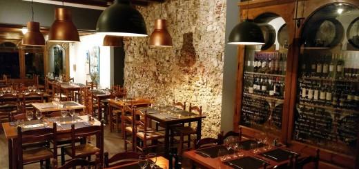 Interior del restaurant Macanudo de Calella