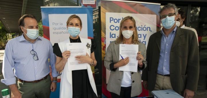 La vicesecretària d'Organizació del PP, Ana Beltrán, en el tret de sortida de la campanya de recollida de signatures