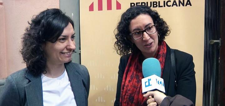 Cristina Gómez amb la secretaria general d'Esquerra en un acte de campanya a Calella, l'any 2015