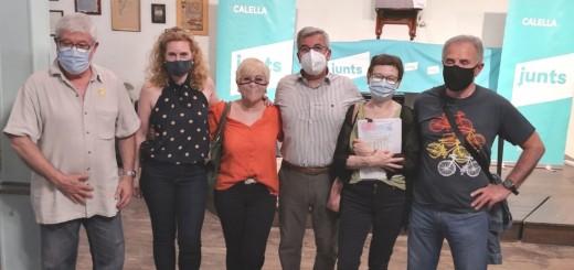 Josep Puig, a l'esquerra, amb altres membres del comitè executiu de Junts per Catalunya-Calella