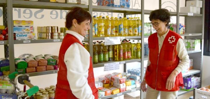 Voluntàries del Rebost Solidari de Creu Roja a Pineda de Mar (Foto: Ràdio Pineda)