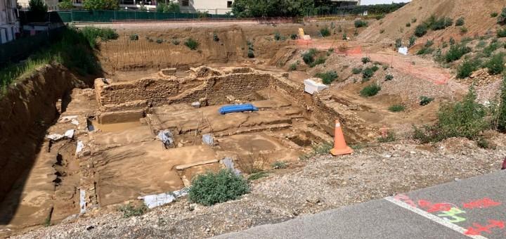 Vista actual del jaciment arqueològic del Roser un cop finalitzats els treballs d'excavació