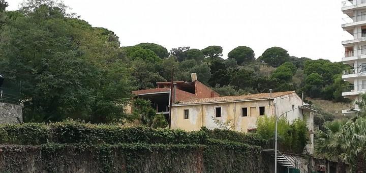 L'associació pensa que la masia de Can Pocalló podria convertir-se en un hotel d'entitats per al barri