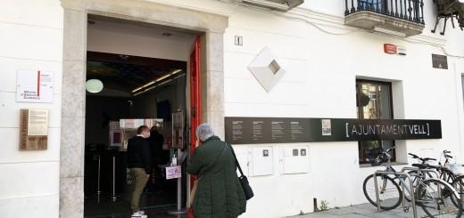 Les sol·licituds shan de presentar a l'Oficina d'Atenció al Ciutadà (foto arxiu) o a les dependències de Política Social, a la Fàbrica Llobet-Guri
